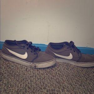 Nike sb shoes size 8
